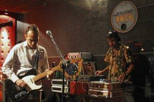 Caio Bosco Cerebral com Nevilton, Zebra Zebra e DJ Lufer da Futuráfrica Afrobraziliangrooves ao Vivo no Studio Rock Café 22-10-2015. Por Andressa Passetti